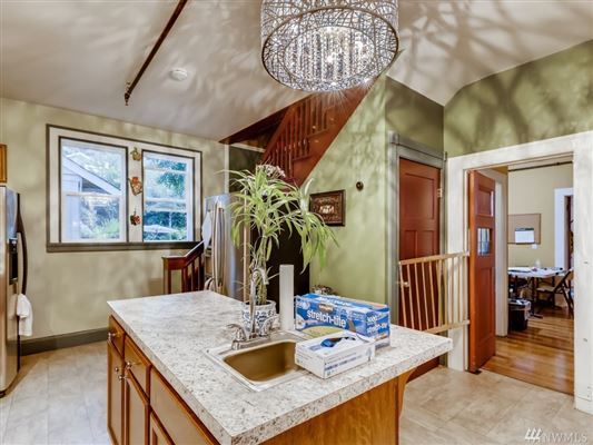 Luxury real estate a Piece of History in Kirkland