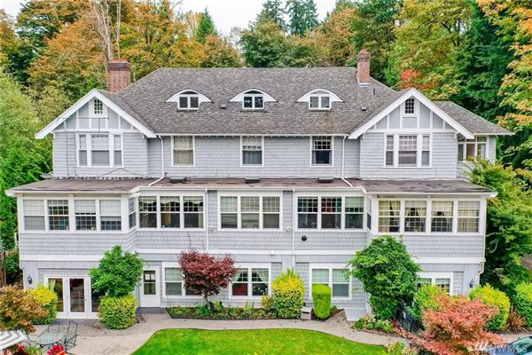 Luxury homes in a Piece of History in Kirkland
