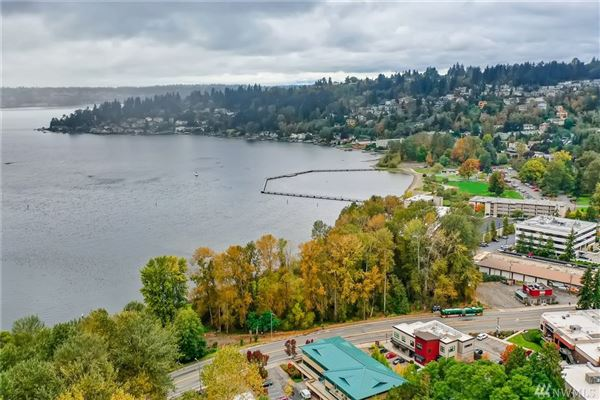 Mansions in a Piece of History in Kirkland