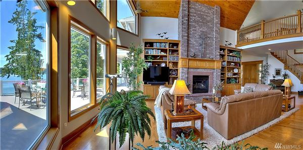 Custom 12,500SF Hood Canal Estate luxury properties