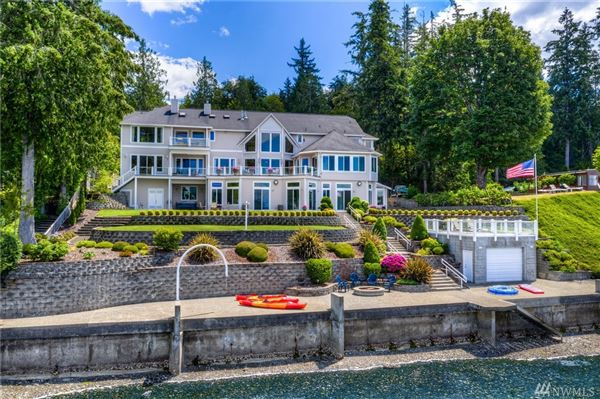 Custom 12,500SF Hood Canal Estate luxury homes