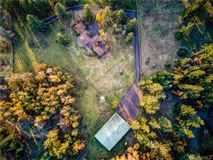 a 20 acre equestrian property  mansions