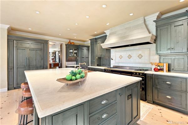 timeless elegance with state-of-the-art features luxury properties