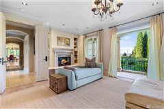 Luxury homes in timeless elegance with state-of-the-art features