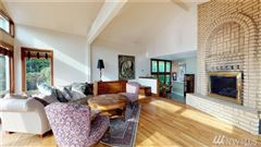 Luxury homes in fantastic sound and mountain views