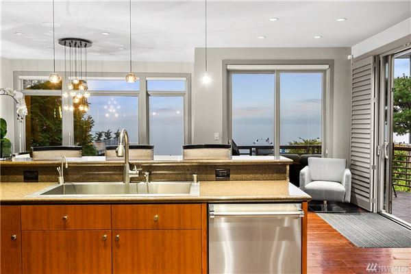 Mansions lakefront contemporary in coveted gold coast
