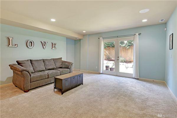 spacious home on a quiet cul-de-sac in West Hill luxury properties