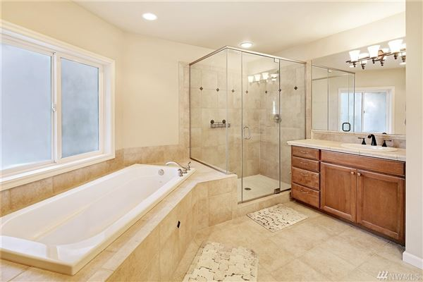 Luxury homes in spacious home on a quiet cul-de-sac in West Hill