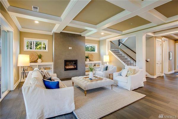 Luxury real estate The Sycamore in Sammamish Estates
