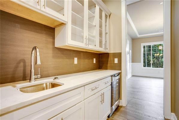 custom home of pure elegance in sammamish estates luxury homes