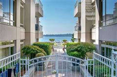 Exceptionally maintained luxury end unit mansions