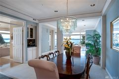 Luxury properties Exceptionally maintained luxury end unit
