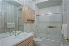Exceptionally maintained luxury end unit luxury homes