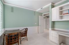 Luxury real estate Exceptionally maintained luxury end unit
