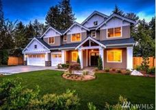 Luxury homes timeless farmhouse living on over 3.3 acres