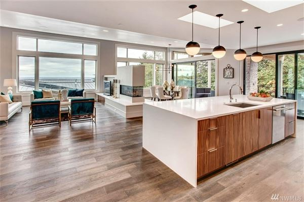new construction view rambler luxury homes