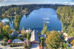 Incomparable beauty on Lake Wilderness mansions