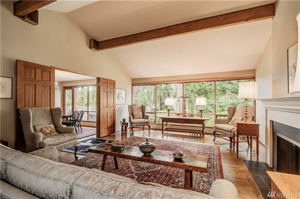 Luxury homes Spacious and Gracious Cape Cod style home