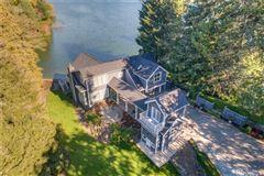 Custom built home on Lake Steilacoom mansions