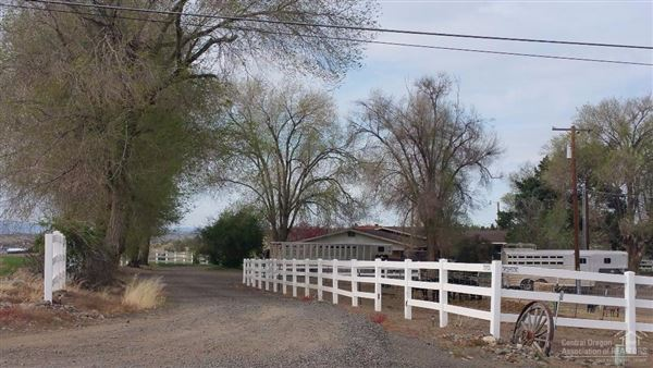 Luxury properties Two homes on over 51 acres