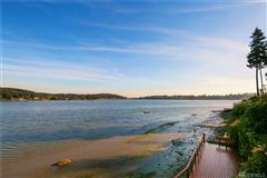 Luxury homes classy waterfront home boasts lovely views