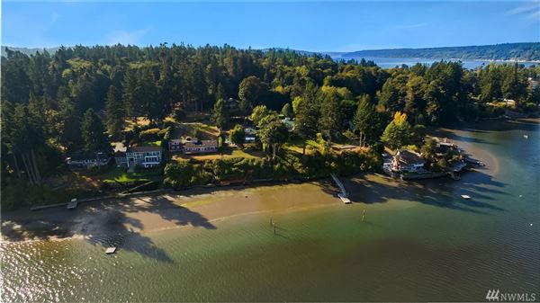 Mansions classy waterfront home boasts lovely views