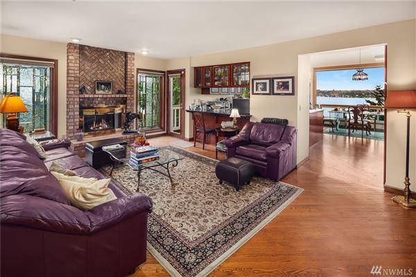 Mansions in expansive views on lake washington