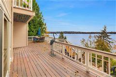 expansive views on lake washington luxury homes