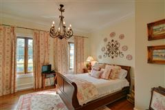 Spacious And Lovely On Marshfront Lot luxury homes