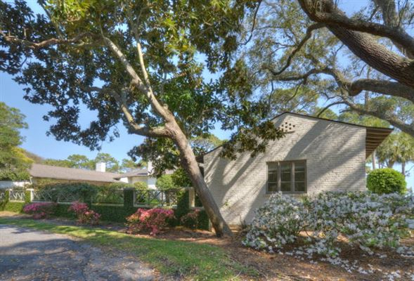 Luxury real estate rare Sea Island opportunity