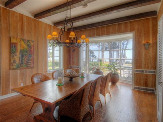 Mansions in rare Sea Island opportunity