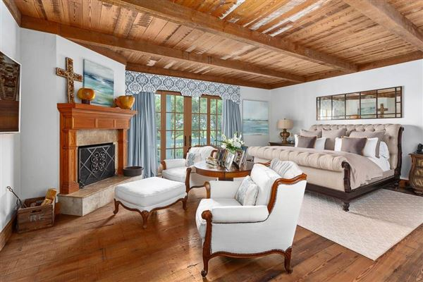 Luxury real estate beautiful and secluded sinclair farm