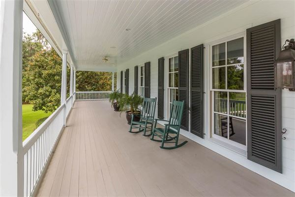 beautiful and secluded sinclair farm luxury properties