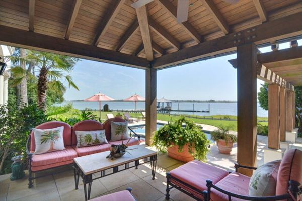 Luxury properties magnificent and uniquely sited on sea island