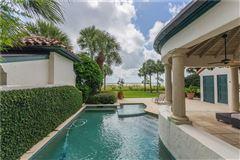 exclusive four bedroom ocean cottage luxury properties