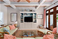 Mansions in exclusive four bedroom ocean cottage