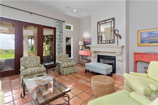 Luxury homes exclusive four bedroom ocean cottage