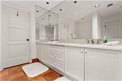 Luxury real estate exclusive four bedroom ocean cottage