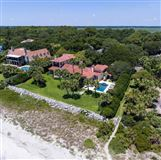 Mansions in true one-of-a-kind oceanfront cottage