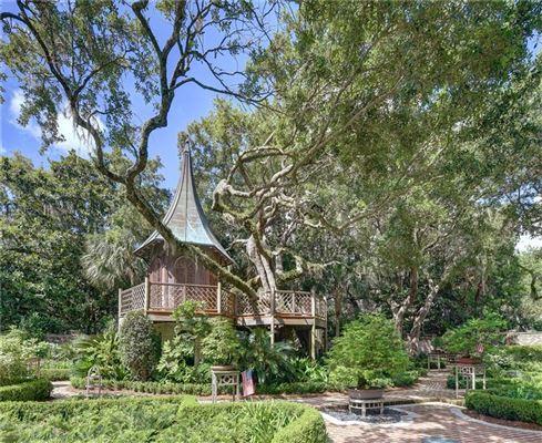 a true testament to Old World luxury luxury homes