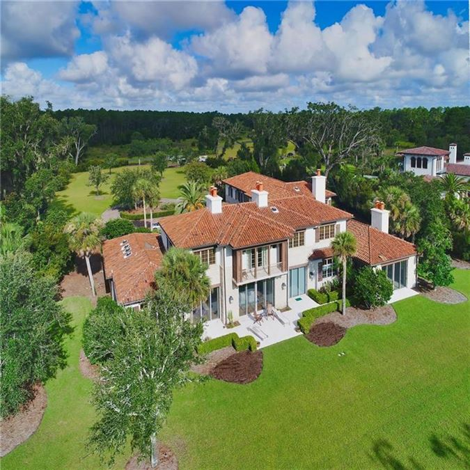Luxury homes a truly exceptional lake front property