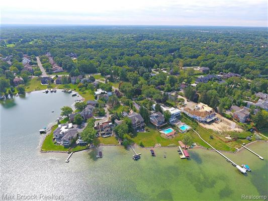 perfect waterfront home with an open floor plan luxury homes