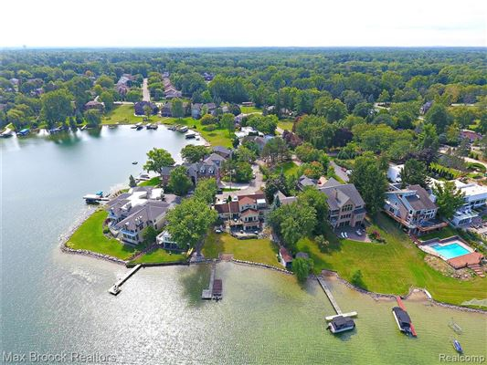 Luxury real estate perfect waterfront home with an open floor plan