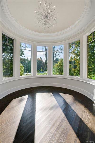 Mansions luxurious new home overlooks idyllic quarton lake
