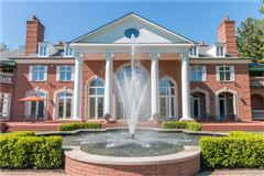 grand Bloomfield Hills estate luxury properties