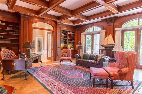 Luxury real estate grand Bloomfield Hills estate
