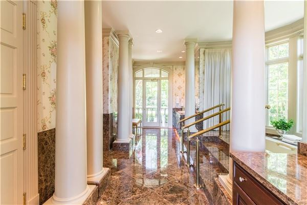Luxury homes in grand Bloomfield Hills estate