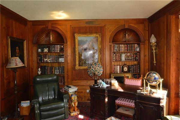 Cotswold Manor in prestigious Palmer Woods luxury real estate