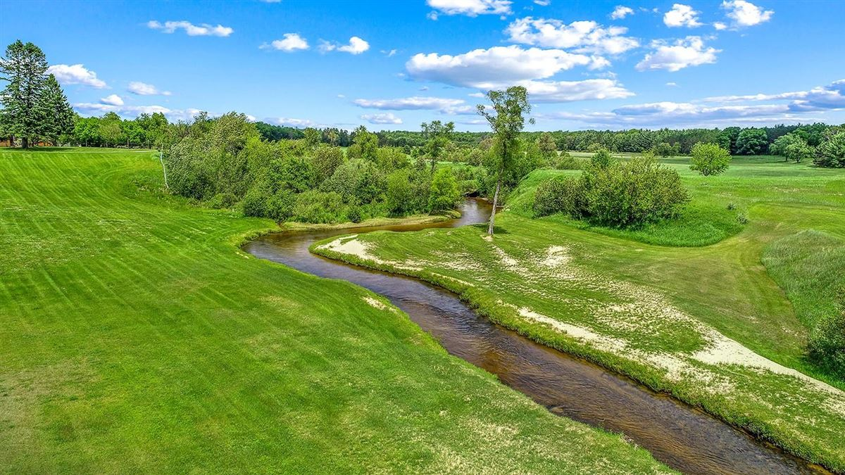 Mansions One of Michigan's most breathtaking 900 acre properties