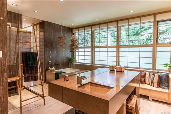Luxury homes casually elegant luxury lakefront living